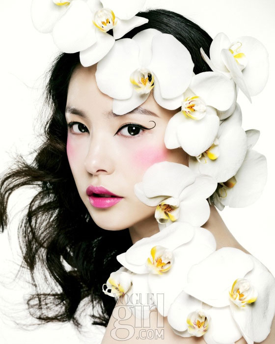 Spring Comes with Min Hyo Rin