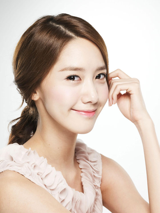 Actress-singer Im Yoona posed for Innisfree » AsianCeleb