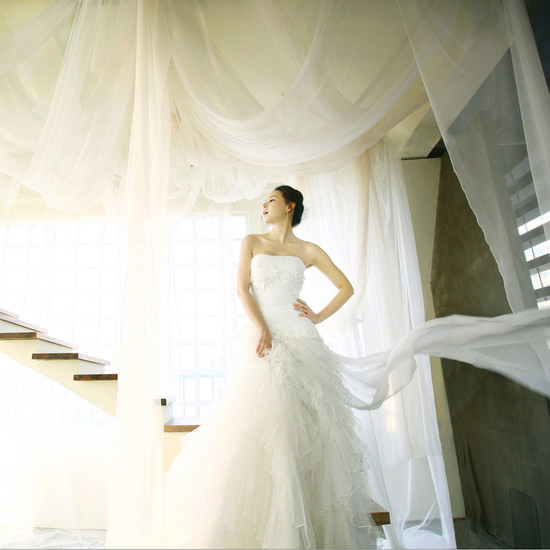 Min Seo Hee Wedding Dress
