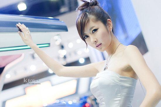 Choi Byul I Seoul Motor Show 2011