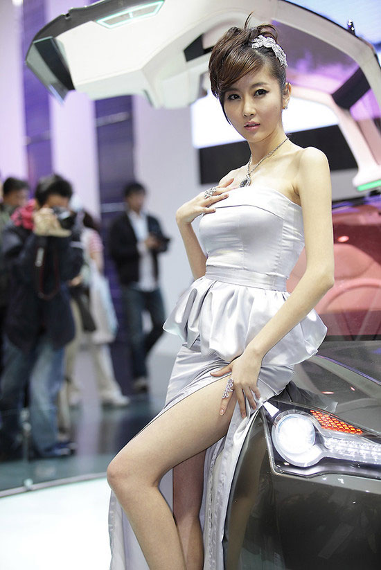 Model Choi Byul I at Seoul Motor Show 2011 » AsianCeleb