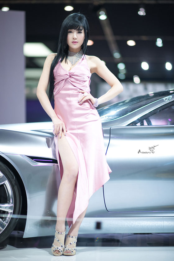 Model Hwang Mi Hee at Seoul Motor Show 2011 » AsianCeleb