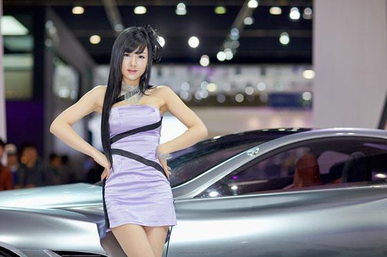 Hwang Mi Hee Seoul Motor Show 2011