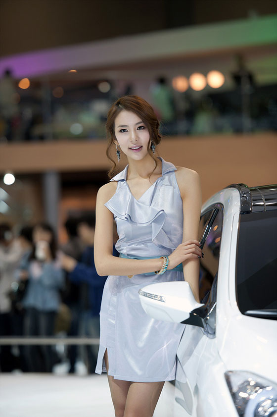 Model Jung Jae Kyung at Seoul Motor Show 2011 » AsianCeleb