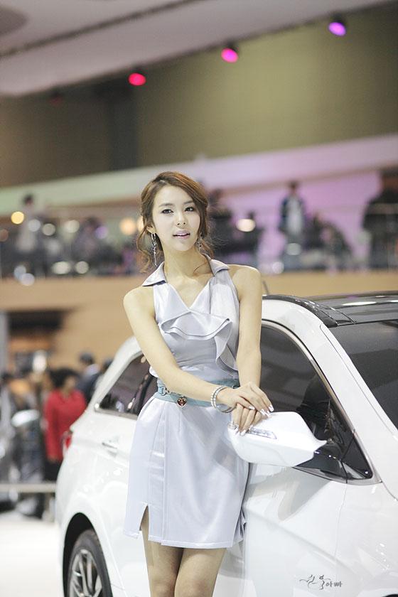 Model Jung Jae Kyung at Seoul Motor Show 2011 » AsianCeleb
