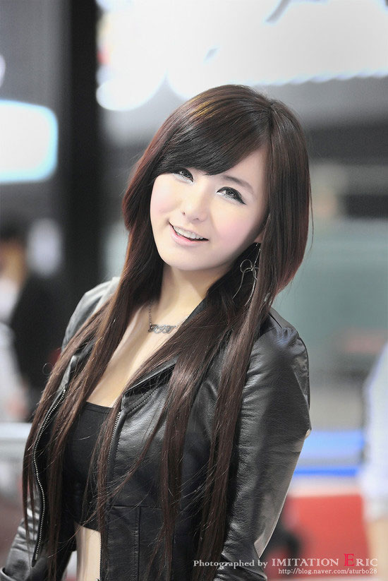 Model Ryu Ji Hye at Seoul Motor Show 2011 » AsianCeleb