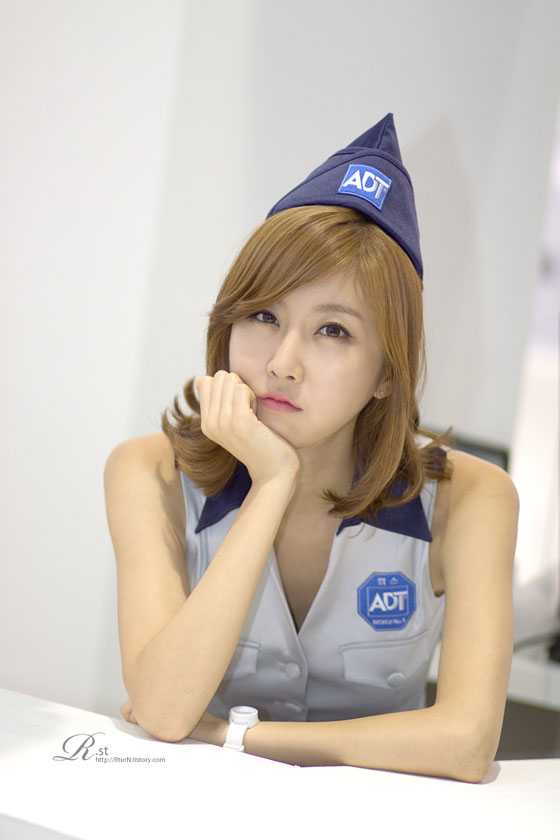 Model Choi Byul I at Security World Expo 2011 » AsianCeleb