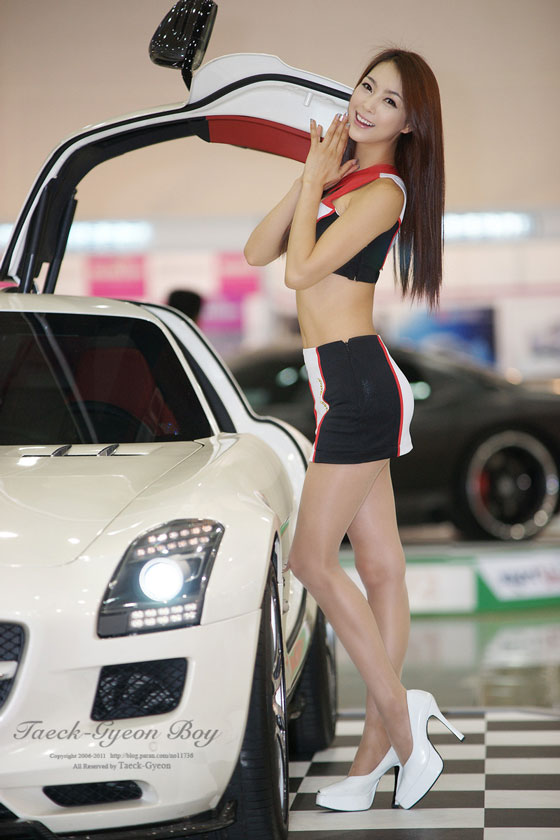 Model Ju Da Ha at S-Motor Show 2011 » AsianCeleb