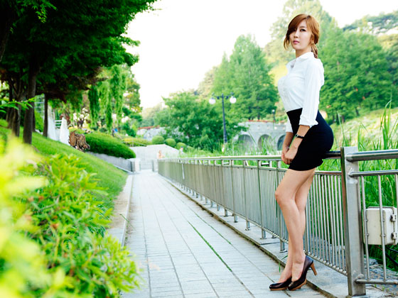 Outdoor office lady Choi Byul I