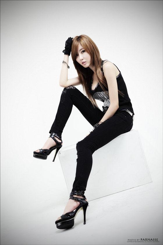 Model Choi Byul I in all black » AsianCeleb