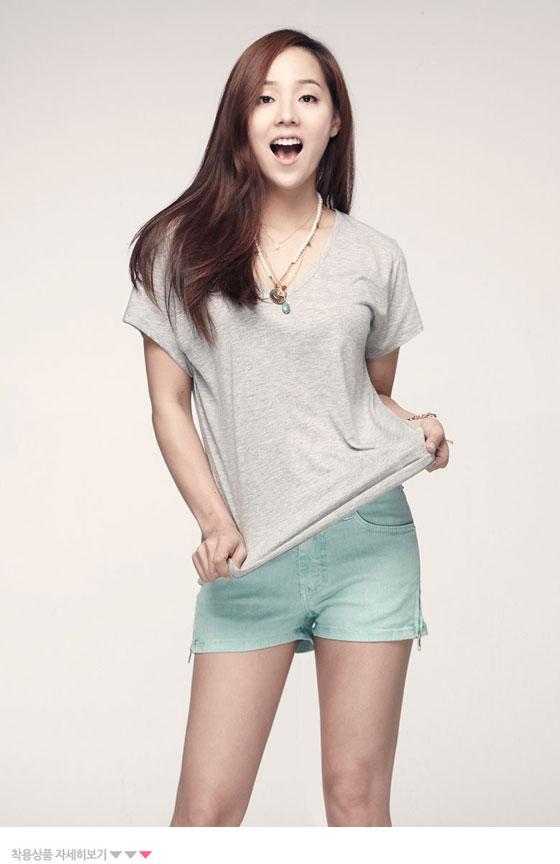 Eugene Kim Bymomo clothings