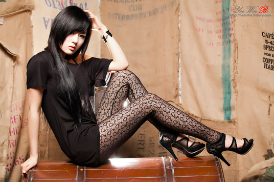 Model Hwang Mi Hee looking sexy in black » AsianCeleb