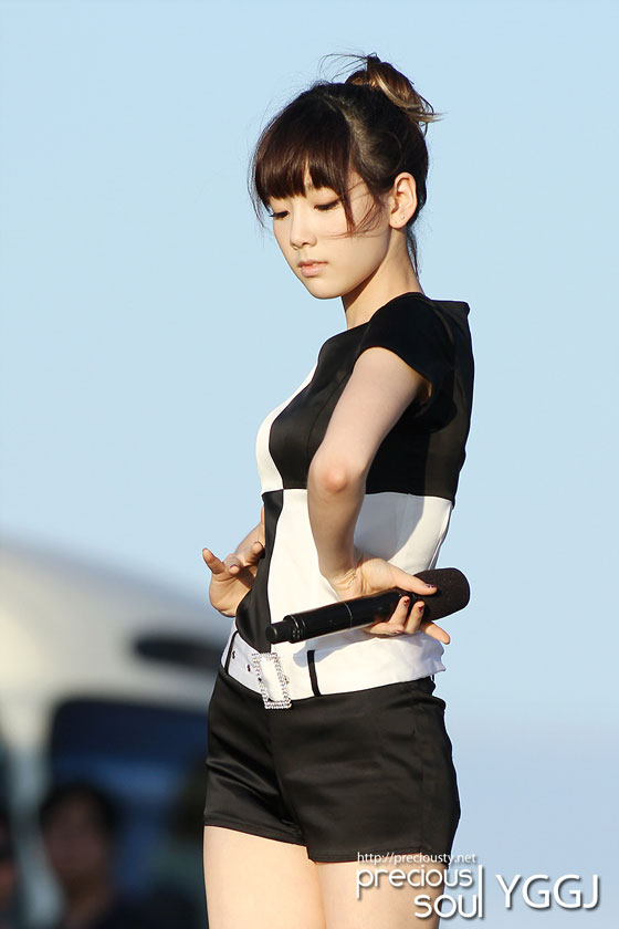 Girls' Generation Taeyeon - Jeju Concert » AsianCeleb