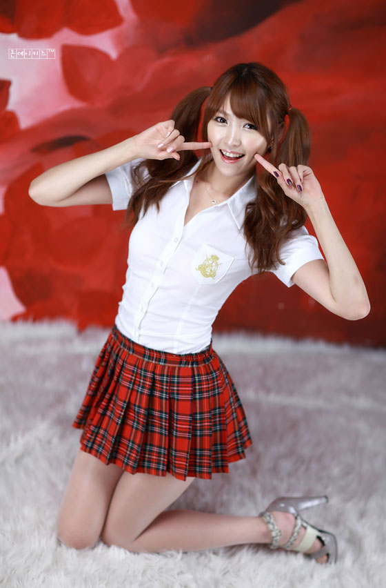 Model Lee Eun Hye in school girl costume » AsianCeleb