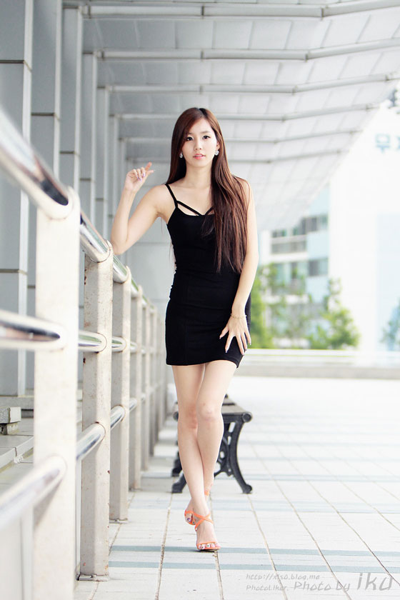 Lee Ji Min black mini dress