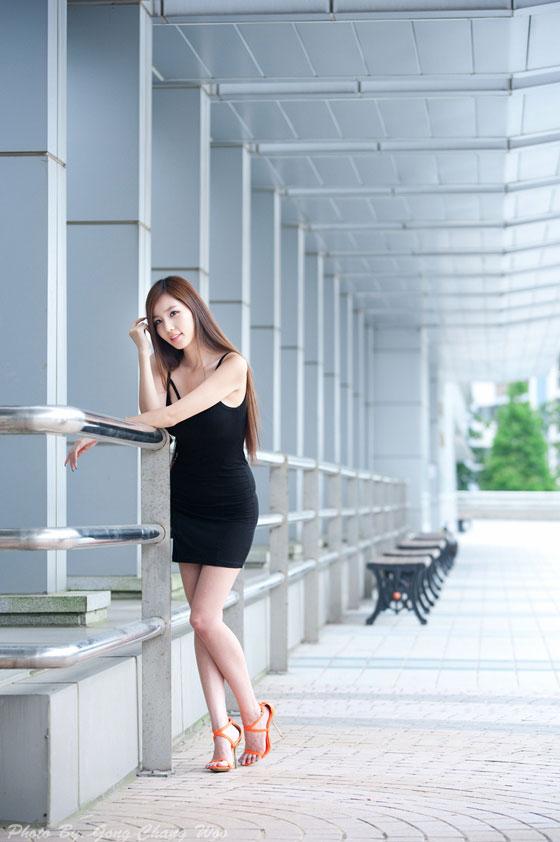 Lee Ji Min black mini dress