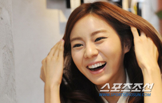 Girl group After School member Uie's photoshoot with Sports Chosun » AsianCeleb