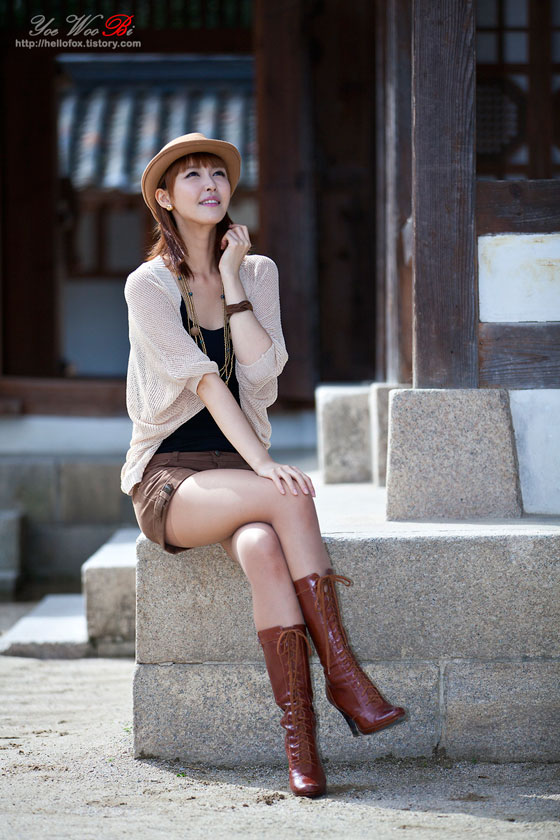 Model Kang Yui  in a traditional Korean village » AsianCeleb