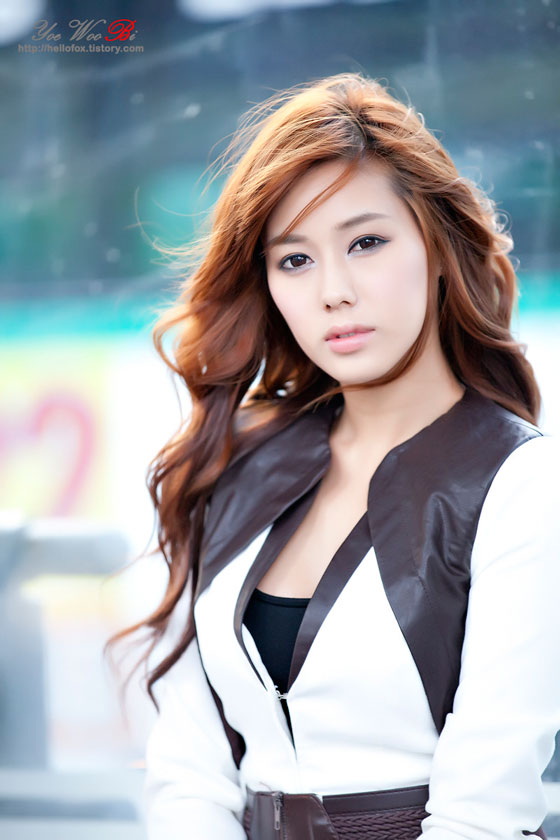 Kim Ha Yul Korean bus stop