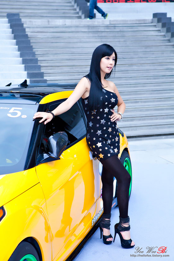 Kim Ha Yul Hyundai Veloster roadshow