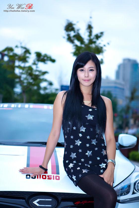 Model Kim Ha Yul at a Hyundai Veloster road show » AsianCeleb