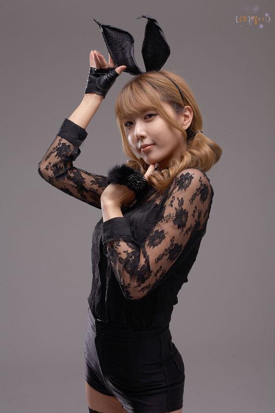 Model Heo Yoon Mi in Sexy Bunny Costume » AsianCelebrity