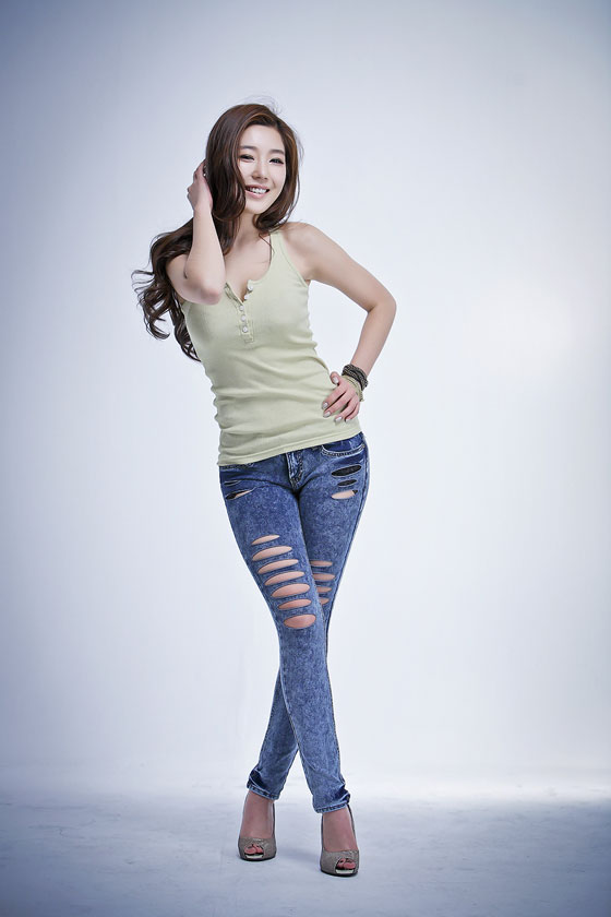 Model Jo Sang Hee in Jeans and Casual Wear » AsianCelebrity