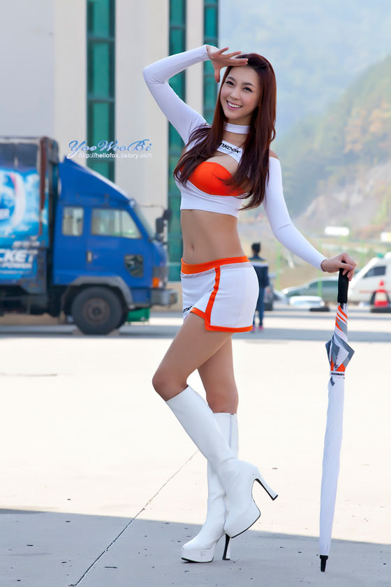 Racing queen Ju Da Ha at Round 3 of Korea Speed Festival » AsianCelebrity