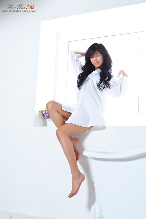 Kim Ha Yul sexy white shirt