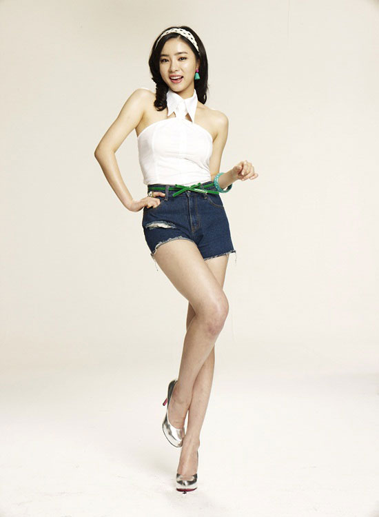 Actress Shin Se Kyung endorsed Fun Yeah soju » AsianCelebrity