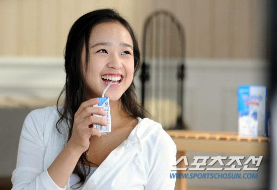 Son Yeon Jae milk commercial