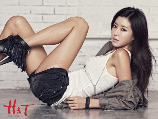Park Han Byul H&T Fashion