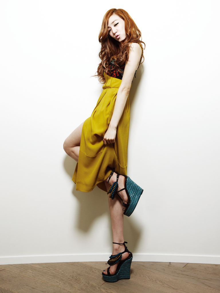 SNSD Tiffany Korean Bazaar Magazine