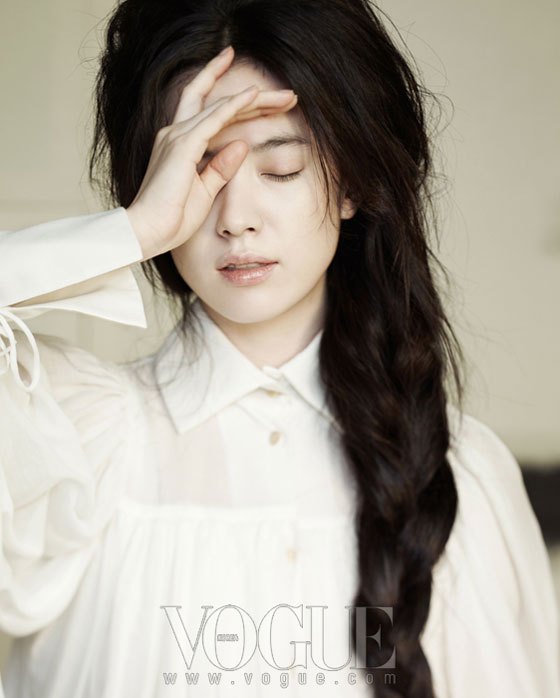 Han Hyo Joo Korean Vogue Magazine
