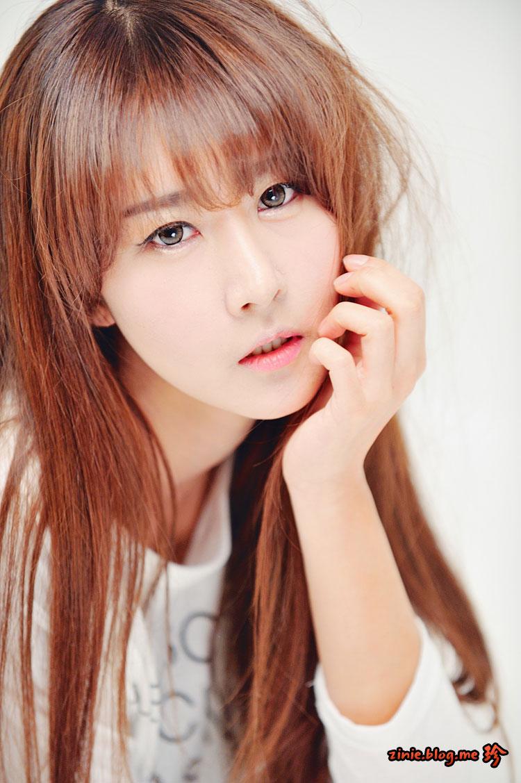 Korean model Park Hyun Sun jeans