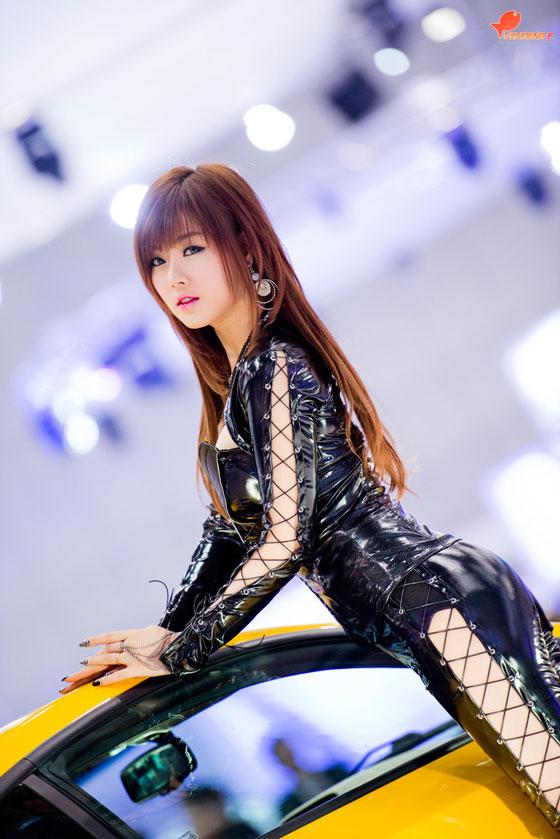 Hwang Mi Hee Seoul Motor Show 2013
