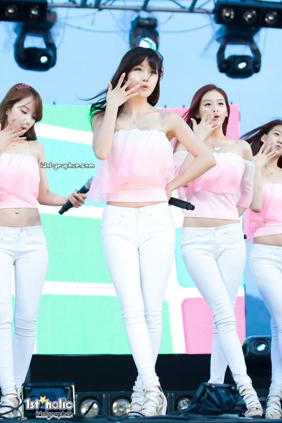 Korean girl group Rainbow