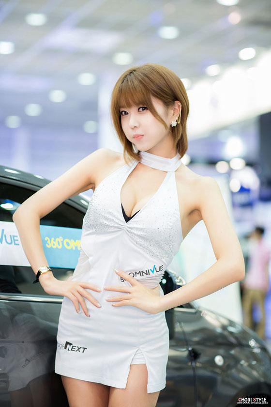 Heo Yun Mi Seoul Auto Salon 2013