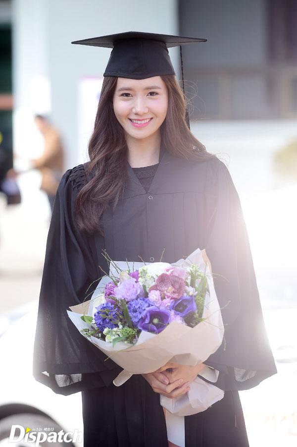 Girls Generation Yoona university graduation