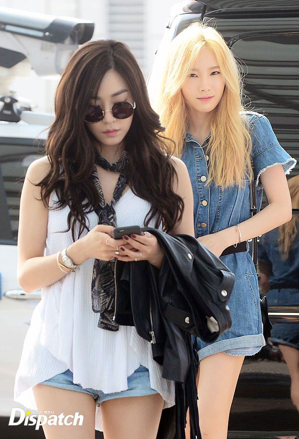 SNSD Taeyeon Tiffany Incheon Airport