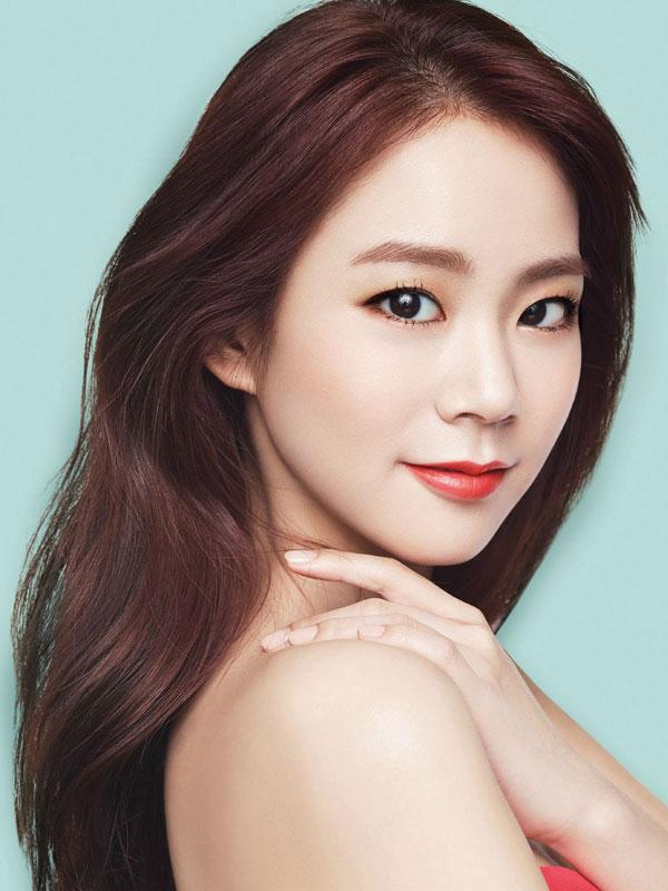 KARA Seungyeon Lavida cosmetics Korea