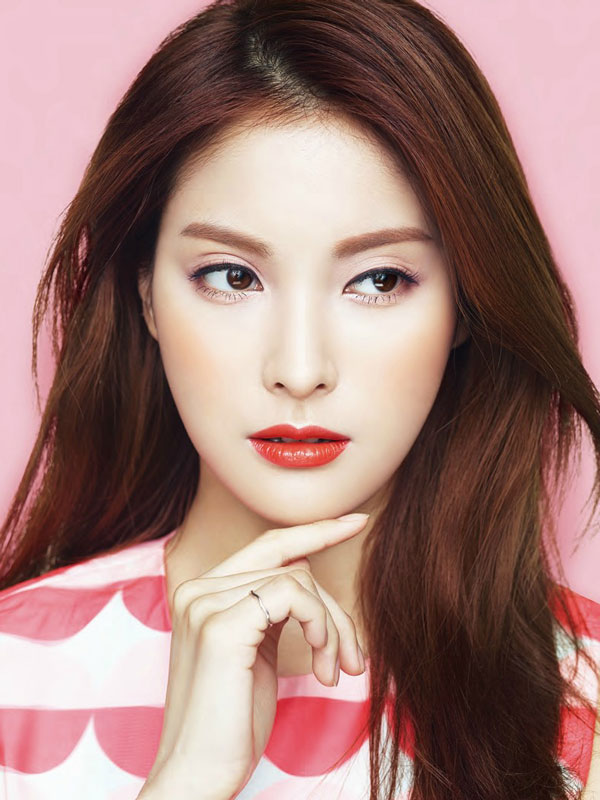 KARA Gyuri Lavida cosmetics Korea